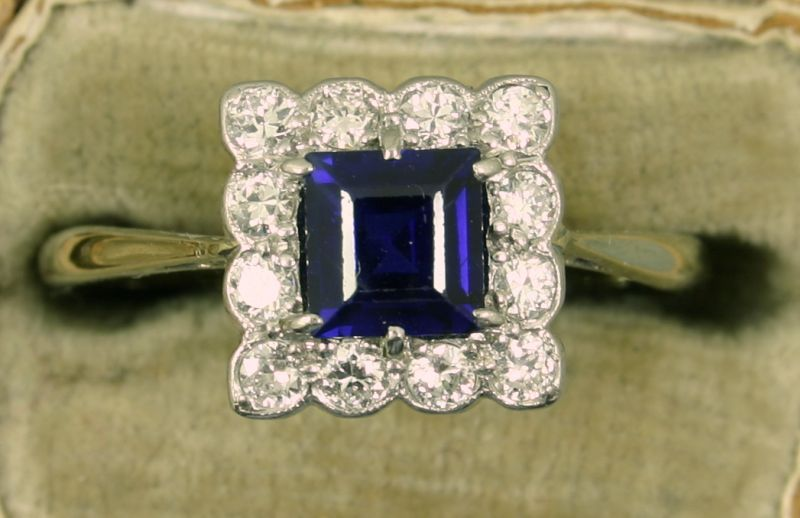 Quadratischer Art Deco Safir-Brillant Ring.JPG